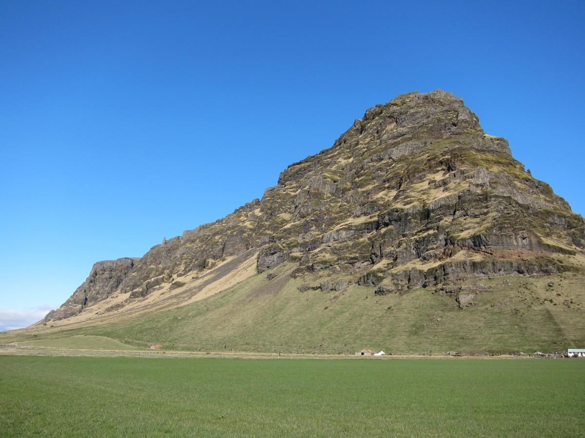 By Eyjafjallajokull volcano